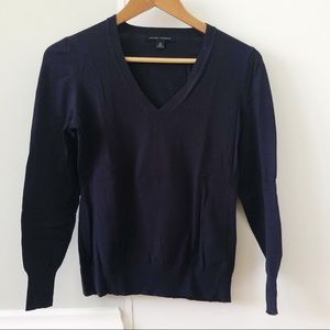 Banana Republic Navy V-neck sweater - XS